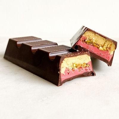 Strawberry Pistachio Chocolate Bar 45g